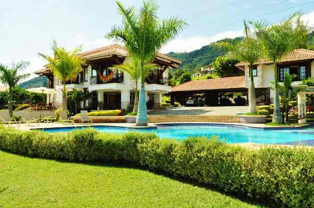 Book this calima lake vacation rental lake calima house for Alquiler de casas en sevilla valle colombia